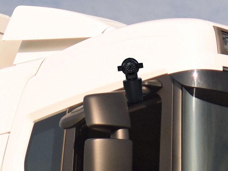 SVEN A5 spiegel bracket gemonteerd op vrachtwagen