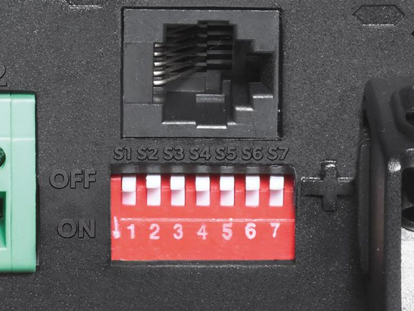 Dometic Waeco laadstroom dip switches